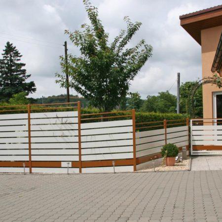 Sichtschutz und Gartentüre