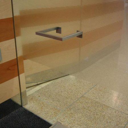 Schirmhalter auf Glas