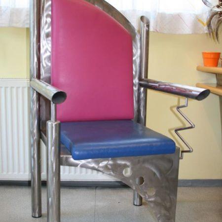 Sessel aus Edelstahl