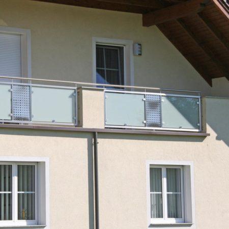 Einzelne Balkonfelder