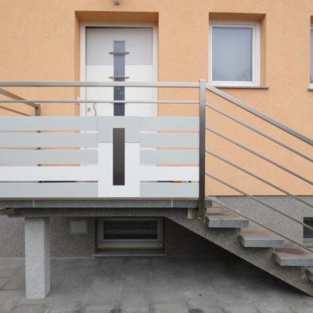 Passung zwischen Tür und Geländer