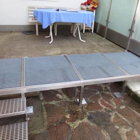 Terrassen- und Treppenkonstruktion